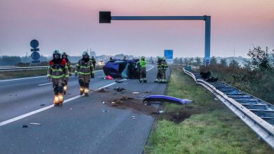 Photo of Auto slaat over de kop op A50 bij Uden, ravage is groot