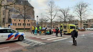 Photo of Auto in botsing met mobile rolstoel op zebrapad Pastoor Spieringsstraat in Uden