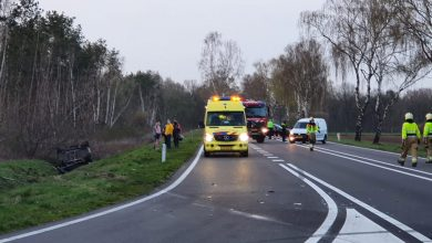 Photo of Auto op kop in sloot bij ongeval in Reek